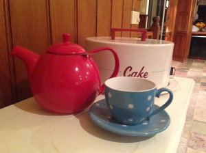 picture of red teapot and cup
